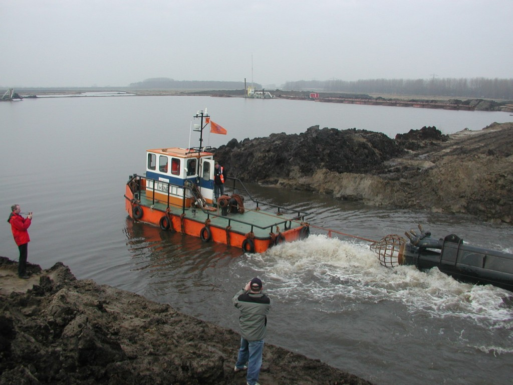 300 hp tug launch